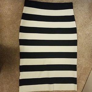 Ann Taylor Navy and Cream stripe skirt